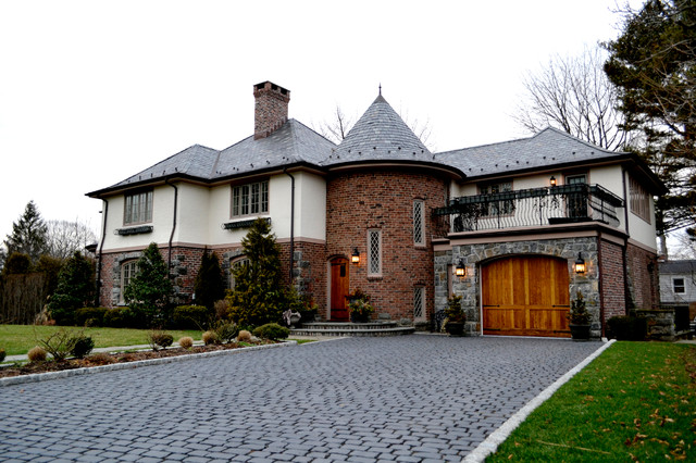 Drake Avenue traditional-exterior