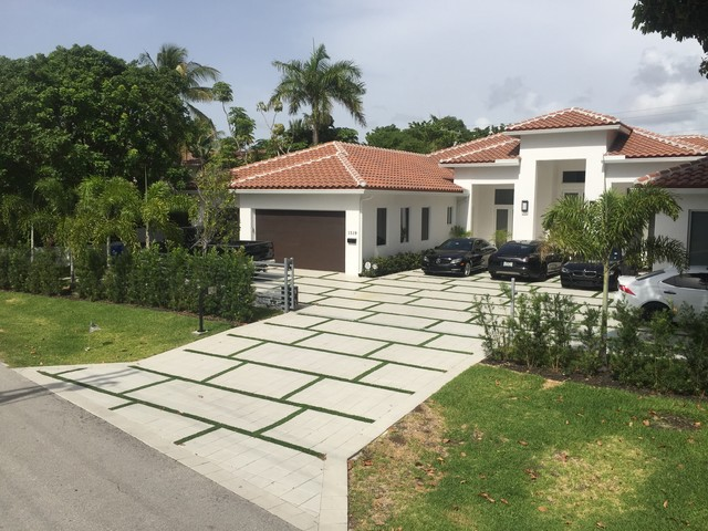 Driveway Design With Synthetic Grass - Driveway design