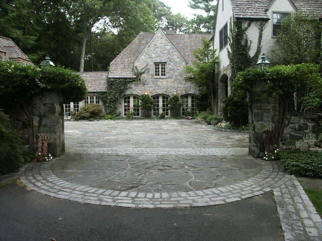 Driveway entry traditional exterior new york by for Courtyard stone landscape