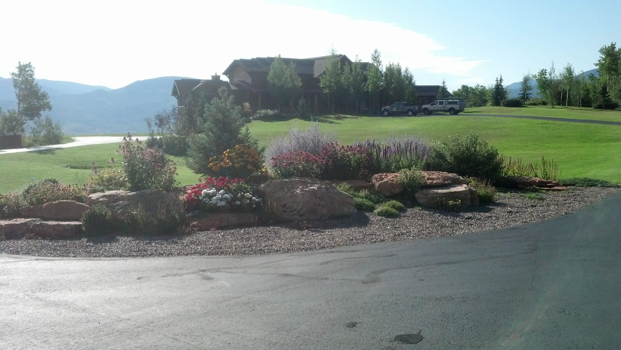 Driveway planter