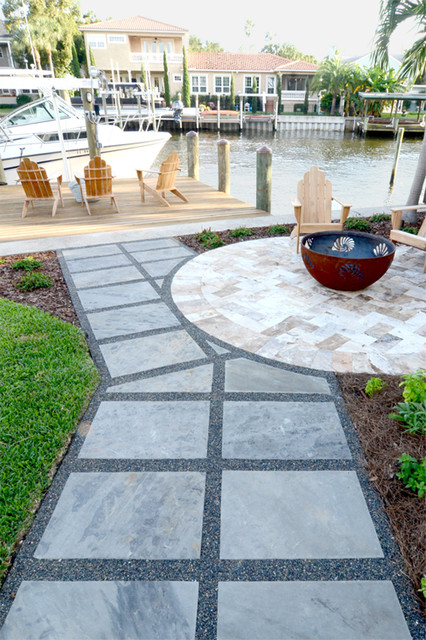 Dry-laid flagstone pathway with Mexican beach pebble ...