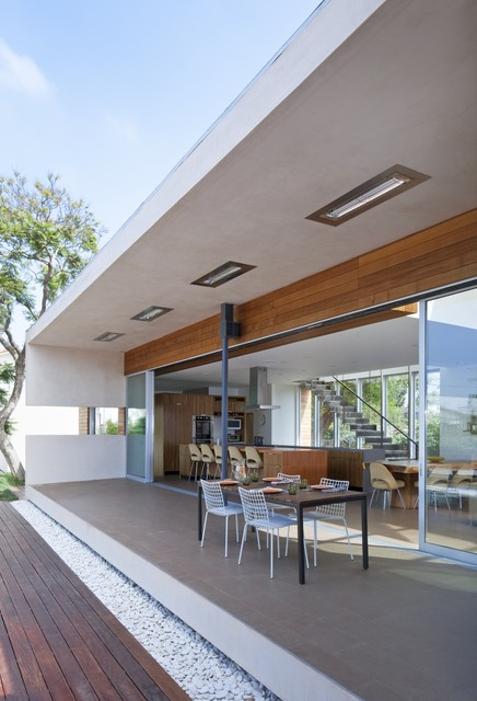 DuChateau Floors - Terra Collection in Zimbabwe / Horwitz Residence by Minarc modern-exterior