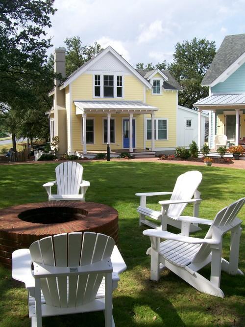 East Beach Cottage Court