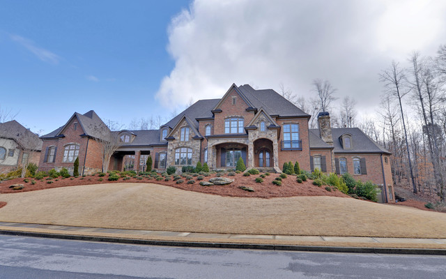 Edinburgh Custom Homes Suwanee Georgia Exterior