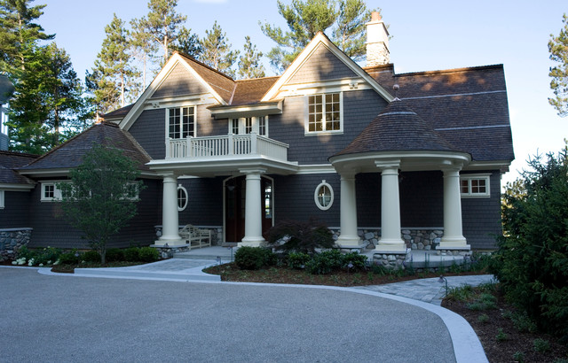 Elk lake home classico facciata di widing custom homes for Case in stile nantucket