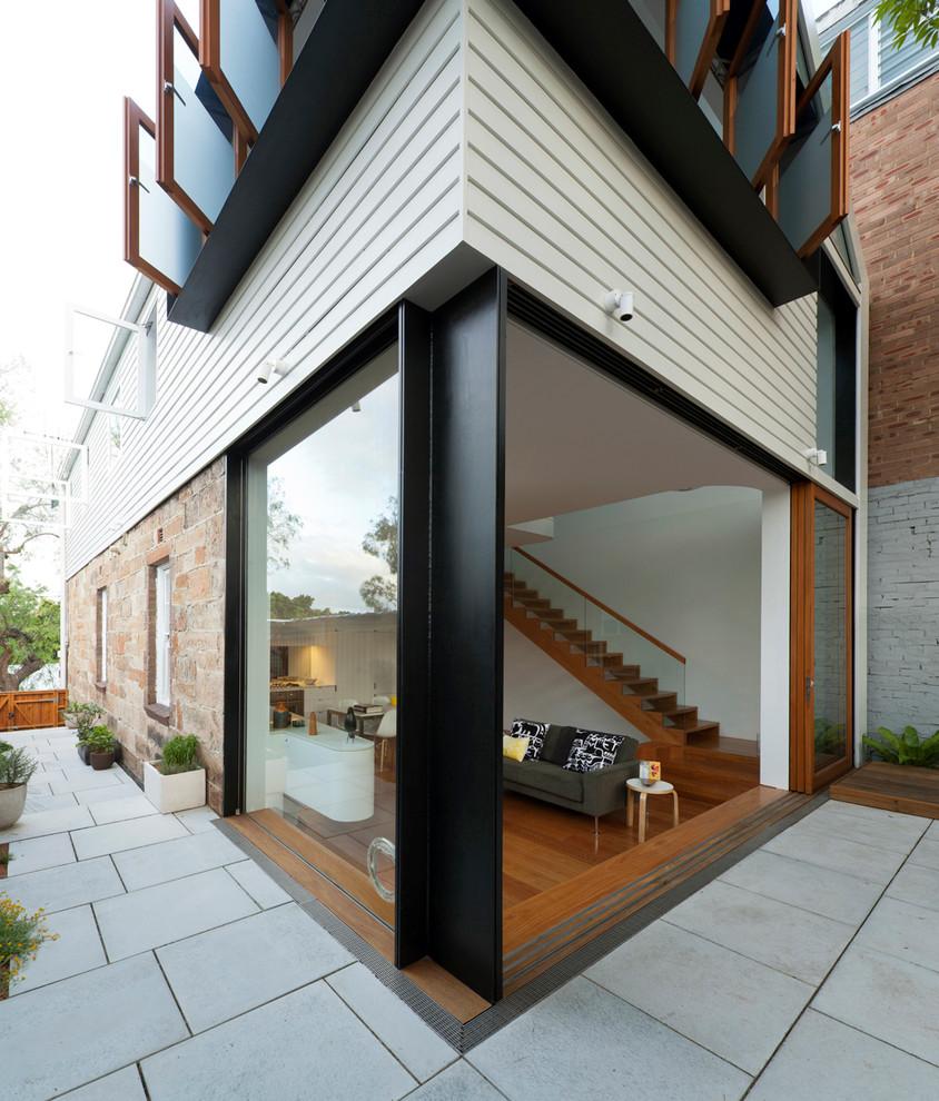 Design ideas for a contemporary exterior in Sydney.
