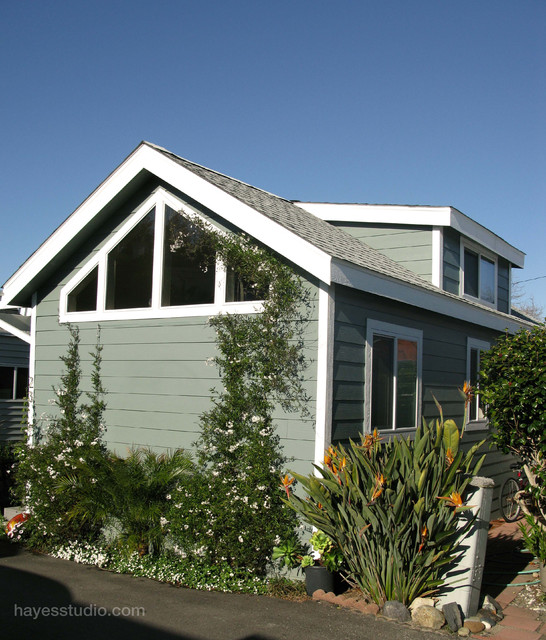 Encinitas Cottage Mobile Home Traditional Exterior