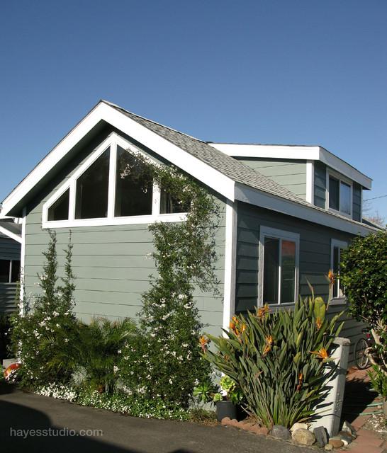 Encinitas Cottage Mobile Home Traditional Exterior