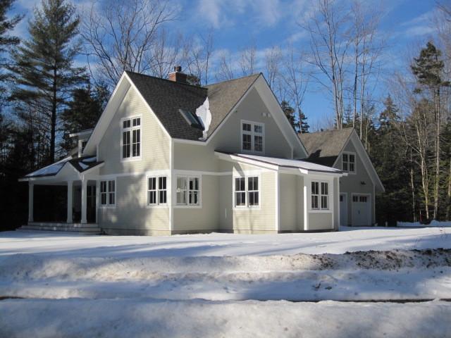Energy efficient maine cottage for Energy efficient cottages