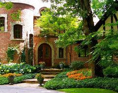 Entrances traditional-exterior