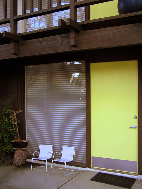 Entry Mid Century Modern And Asian Fusion Retro Exterior