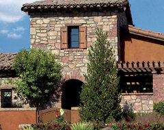 Escala Rancho Mirage Featuring Villa Stone Combination - Coronado Stone Products mediterranean exterior