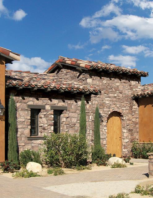 Escala Rancho Mirage Featuring Villa Stone Combination - Coronado Stone Products mediterranean-exterior