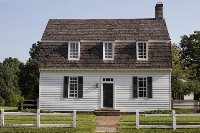 Ewing house colonial williamsburg farmhouse exterior for Williamsburg style house plans