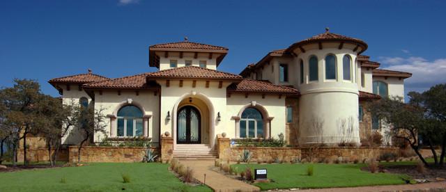 Exterior mediterranean exterior austin by asomoza for Mediterranean exterior design