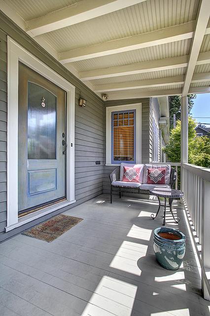 Exterior Color Consultation traditional-exterior