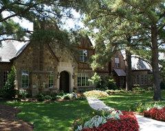 Exterior traditional-exterior