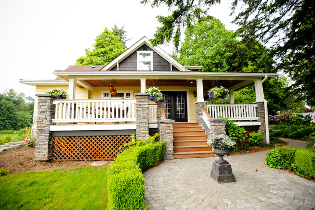 Craftsman House Deck