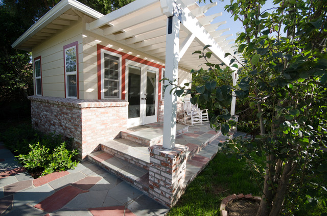 Detached Guest House Home Design Ideas  Pictures  Remodel and DecorPhoto of a traditional exterior in Los Angeles   wood siding