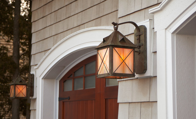 Exterior garage lights traditional outdoor wall lights for Exterior garage lights