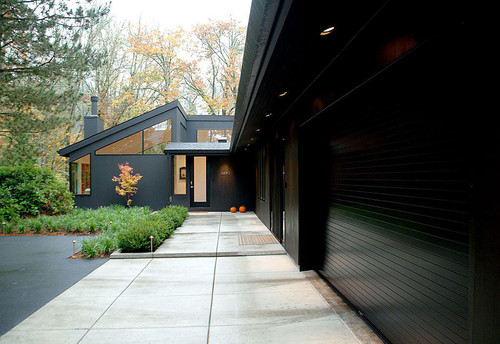 Black houses home exterior paint ideas - Exterior wood paint black ...