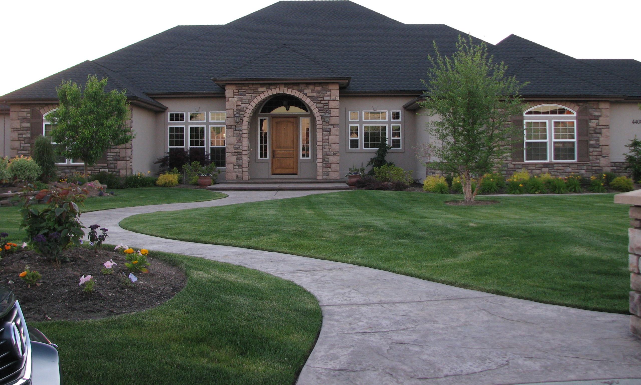 Exterior Luxury Front Garden Homes