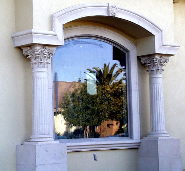 Exterior molding trim enhance doors and windows for Window design molding