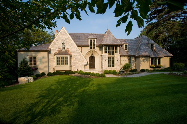 Exterior exterior minneapolis by murphy co design for Haus klassischer stil