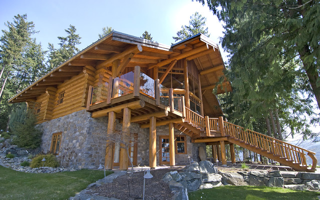 Exterior Shots Of Log Homes From Traditional