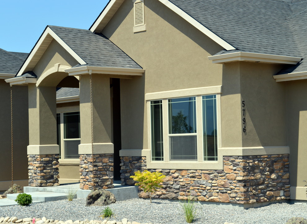 Example of a classic exterior home design in Boise