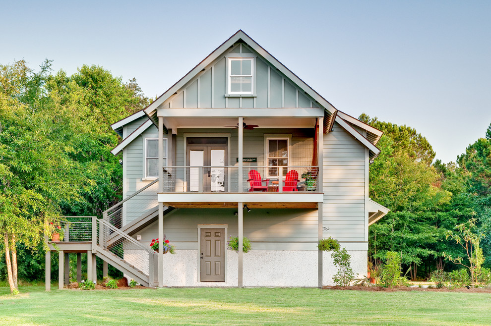 Country green exterior home photo in Charleston