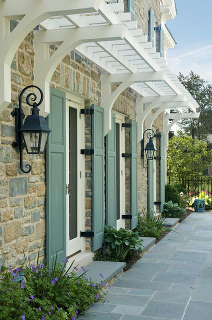 Exterior | trellis traditional-exterior