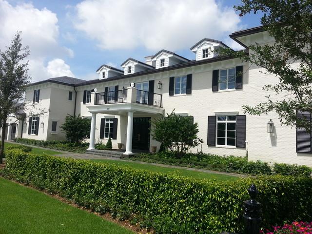 Traditional exterior home idea in Miami