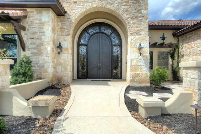 Fair Oaks Ranch traditional-exterior
