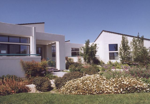 Falcon Ridge Residence modern-exterior