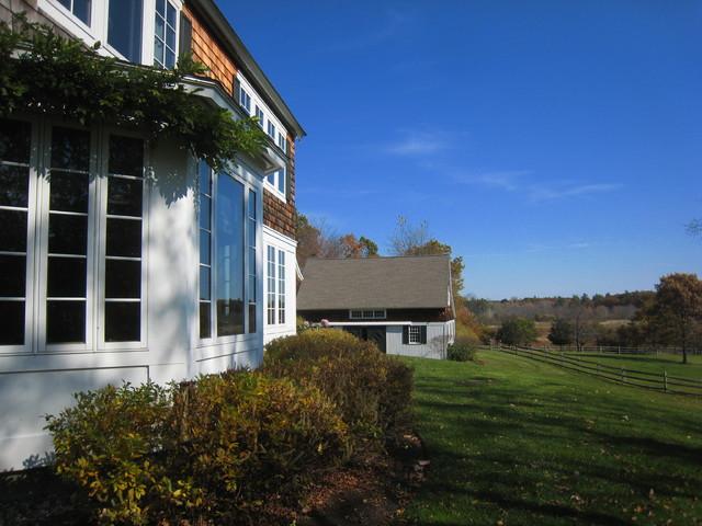 Fall Ridge Farm farmhouse-exterior