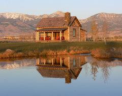 Family Cabin Retreat rustic-exterior