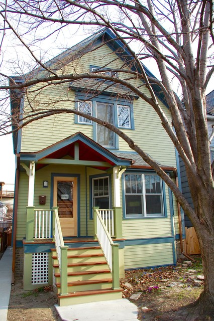 Chicago IL Farmhouse style Home in james Har Siding Traditional Exter