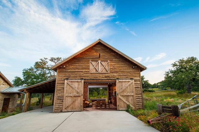 Fultonville Barn farmhouse-exterior