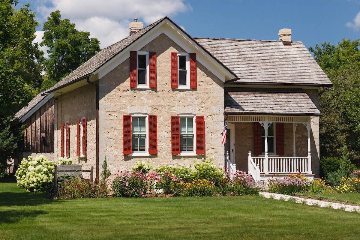 Farmhouse Landscape Renovation - Cedarburg