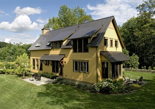 Vintage farmhouse modern farmhouse for Farmhouse metal roof
