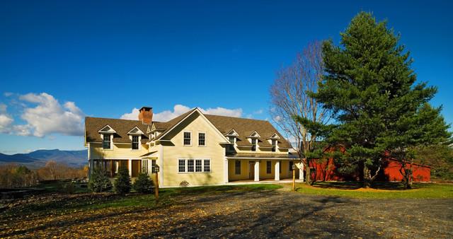 Farmhouse Revival farmhouse-exterior
