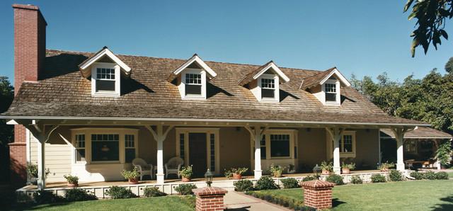 Farmhouse traditional-exterior