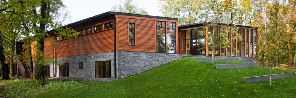 Example of a minimalist exterior home design in Minneapolis