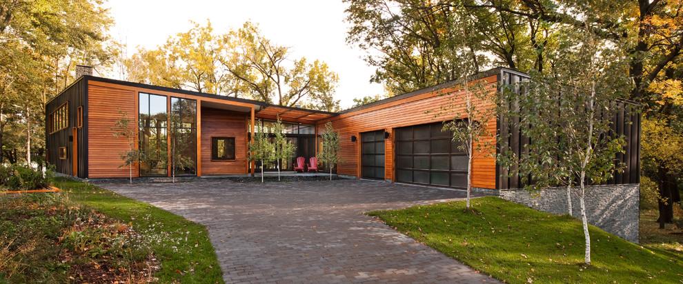 Modern exterior home idea in Minneapolis