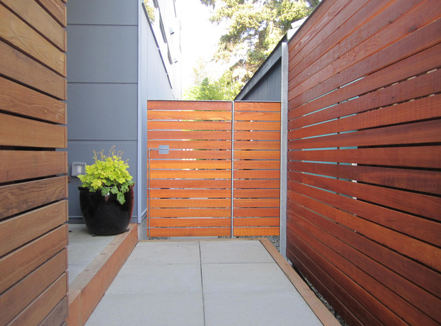 Fences Gates and Guardrails Modern Exterior  : modern exterior from www.houzz.com size 640 x 474 jpeg 110kB