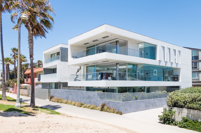 Flip flop house modern exterior los angeles by dan for Flipping houses in los angeles