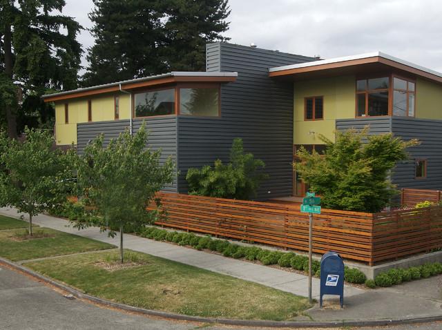 Flip/Flop House(S) modern-exterior
