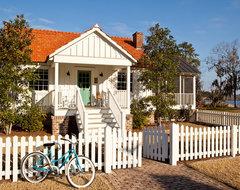 Ford Caretaker's Cottage Renovation traditional-exterior