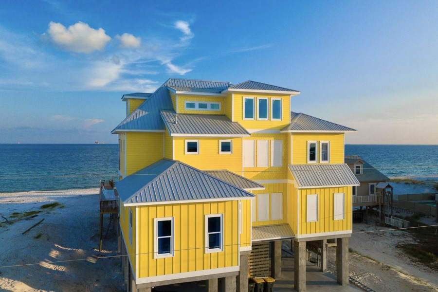 Fort Morgan's Banana Cabana